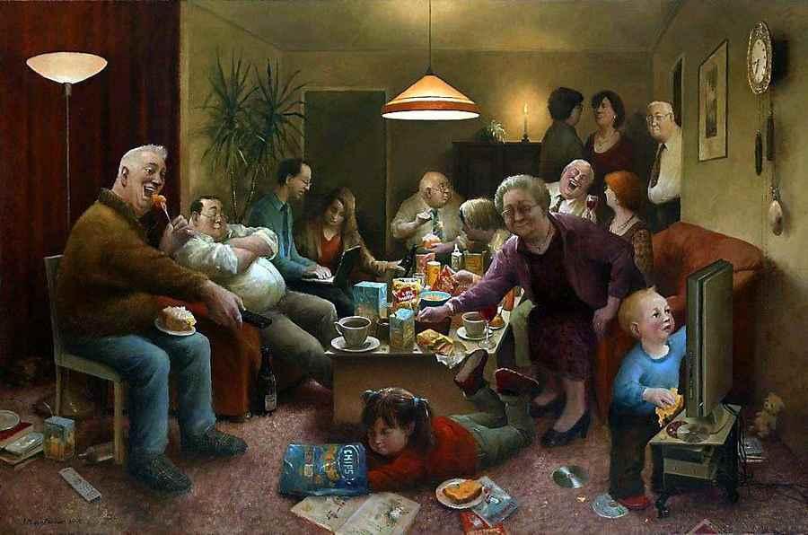 А что Вы обсуждаете за семейным столом, тоже политику?