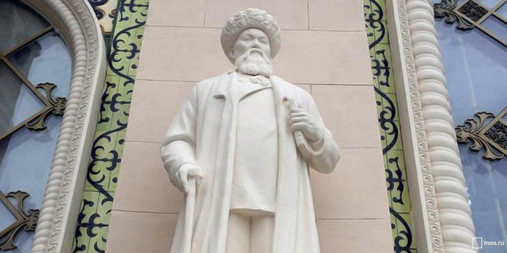 Исторические скульптуры вновь украсили павильон «Казахстан» на ВДНХ