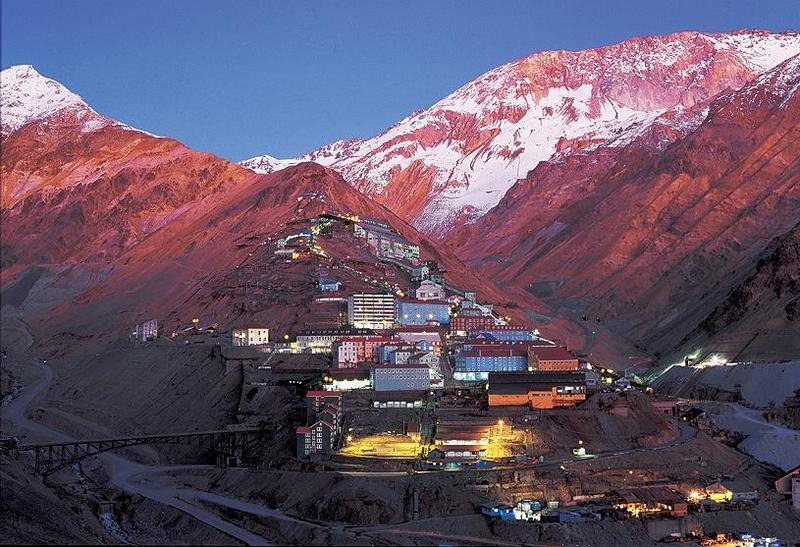 20. Еще один шахтерский городок Сьюэлл, Чили города-призраки, заброшенные города, загадки, тайны, фото