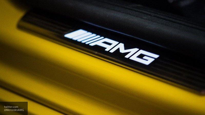 Опубликован новый тизер «заряженного» хэтчбека Mercedes-AMG A35