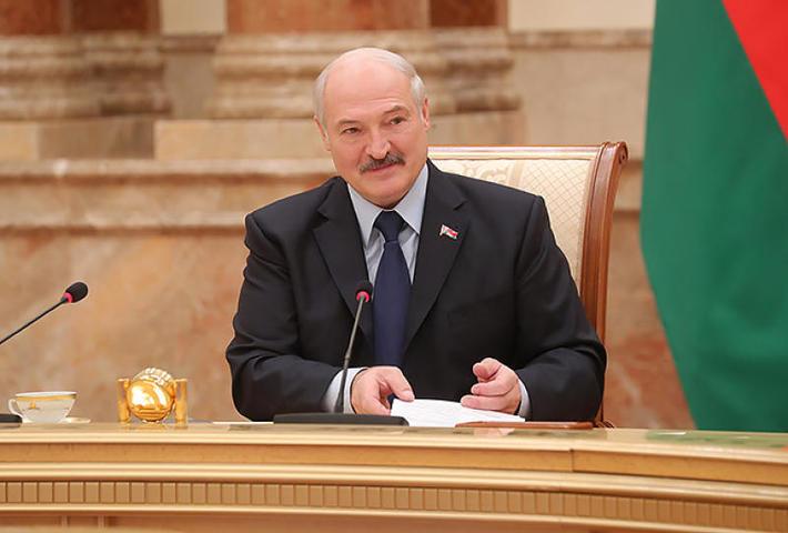 Александр Лукашенко: Источники фейков мы найдем. Куда денутся