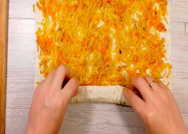 вкуснейший пирог из лаваша с капустой и грудинкой