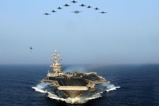 Может ли флот России затопить авианосец США