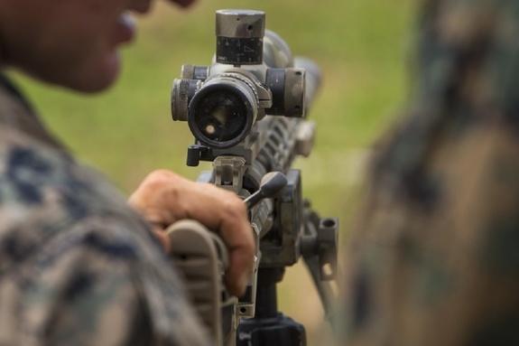 Украинский морпех стрелял как дурак, его и уничтожили из ПТУРа