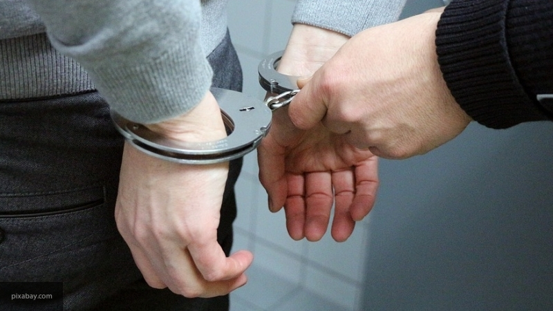 В Череповце местный житель украл у пенсионерки 80 тысяч рублей и мобильный телефон
