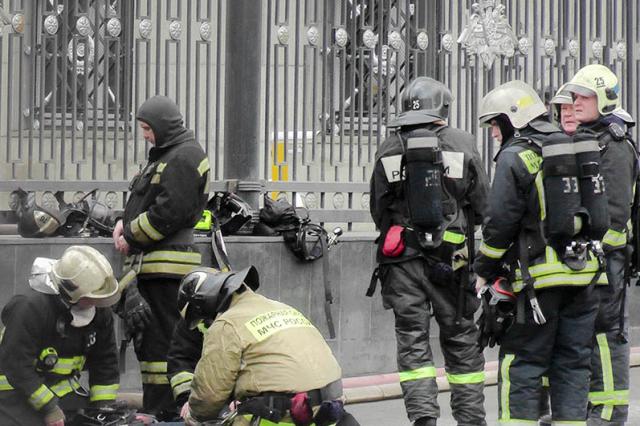 """""""Нет дыма без огня"""": В здании Минобороны сгорел архив департамента имущественных отношений"""