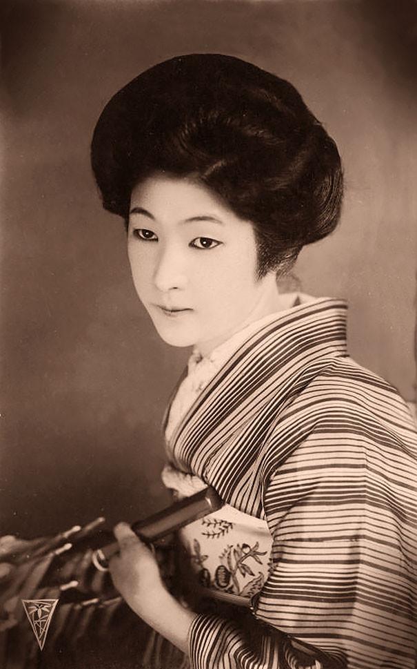 Неизвестная японская женщина с зонтиком винтаж, женщины, красота, открытки, фото