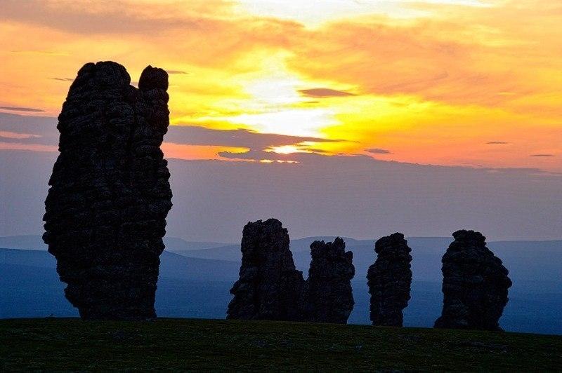 Столбы выветривания на плато Мань-Пупу-нёр, Россия