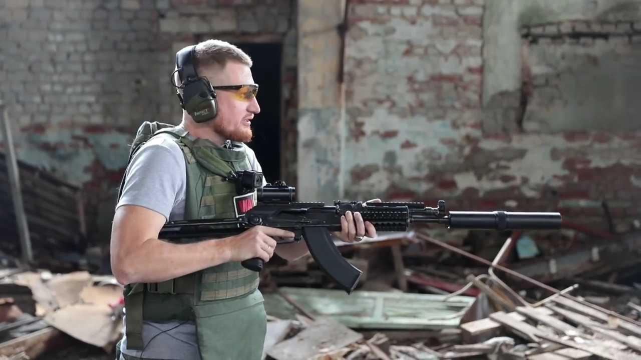 Стреляем из АК в рельсу: пробьет или нет Культура
