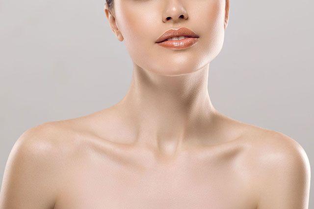 Как ухаживать за кожей на шее? Советы косметолога