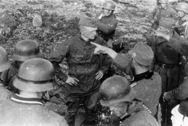Расстрел красноармейцев . Они сражались за Советскую Родину