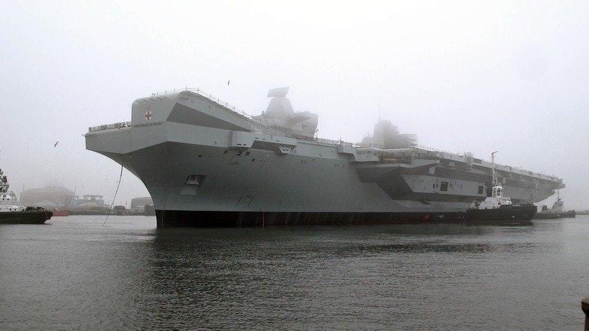 Второй британский авианосец спущен на воду