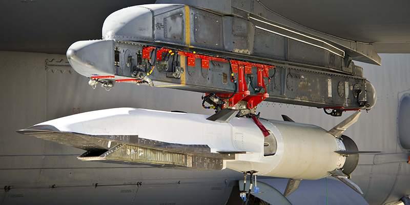 X-51A Waverider на Ð¿ÑÑковой ÑÑÑановке ÑамолÑÑа Ð-52