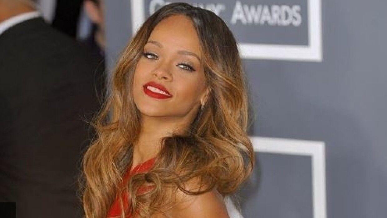 Благотворительные фонды Рианны и Jay-Z выделили $2 млн на борьбу с COVID-19