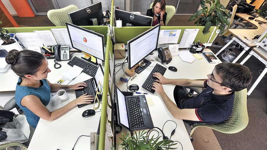 Остальные безработные: Лишь треть россиян боится потери работы