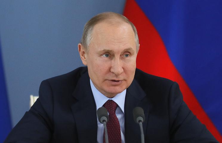 """Путин признал, что молодым """"лихачил"""" на """"Запорожце"""", который выиграла в лотерею его мать"""