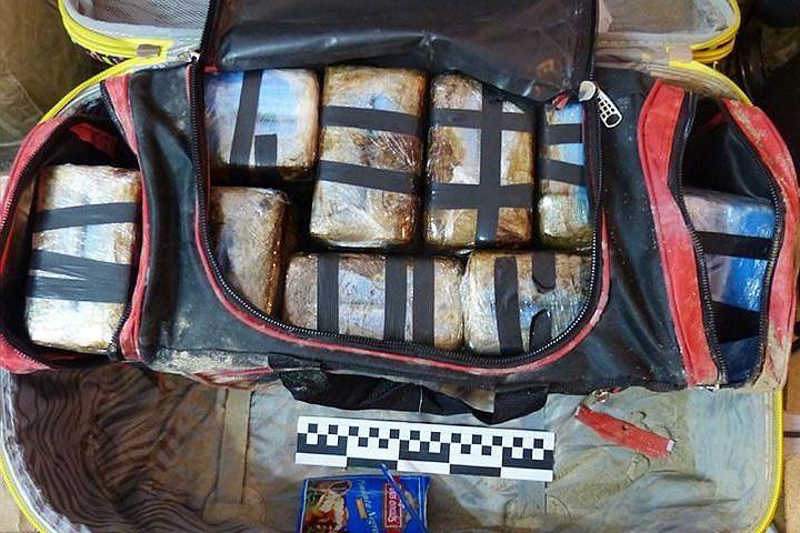 ФСБ объявила в международный розыск организатора поставок кокаина из Аргентины в Европу