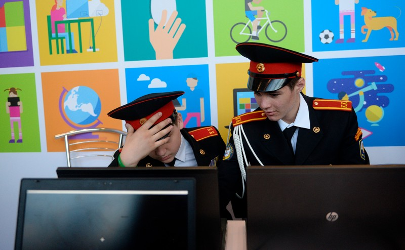 Минобороны потратит миллионы на слежку за курсантами