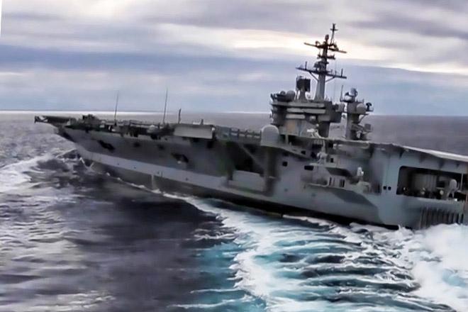 Экстремальный разворот авианосца посреди океана