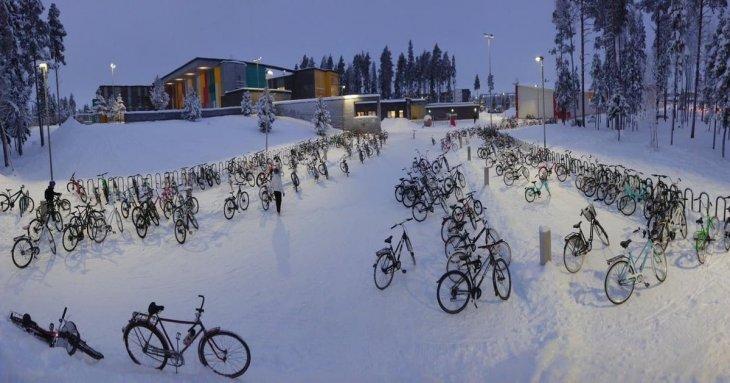 -17 °C  мороза,  а  в Финляндии дети едут в школу на велосипедах