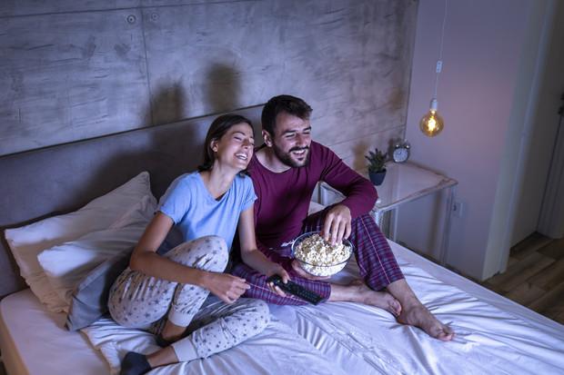 «Ночные ходоки»: можно ли вставать ночью в уборную и за водой и почему бессонница,здоровье,сон