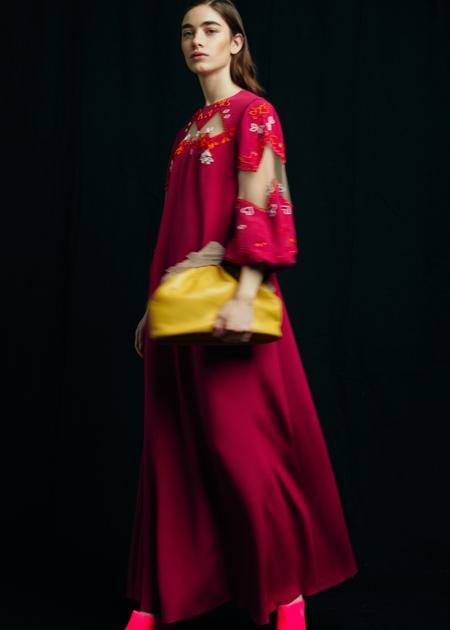 Тайны Востока и магия праздника: лукбуки новых коллекций Мода,Новости моды