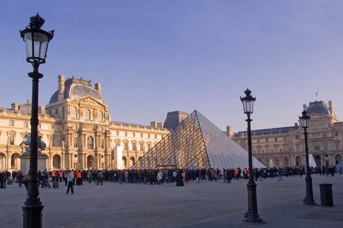 ПО ГОРОДАМ И СТРАНАМ. Экскурсия по Лувру