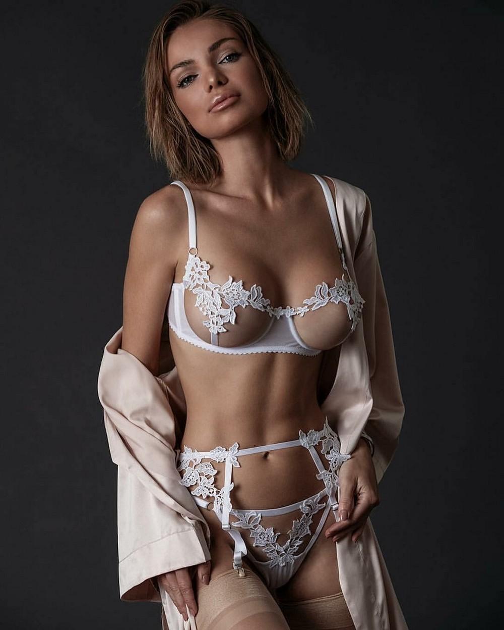 Красивые девушки мира в белье #12