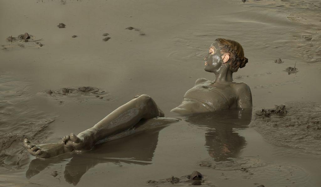 Девушка лечебная грязь 15