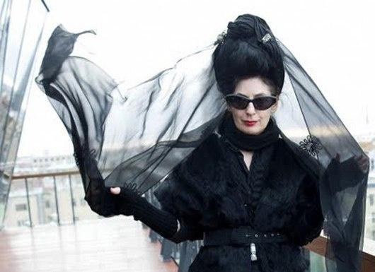 """Диана Перне - """"Почему Вы все время носите только черное?"""" (трафик)"""