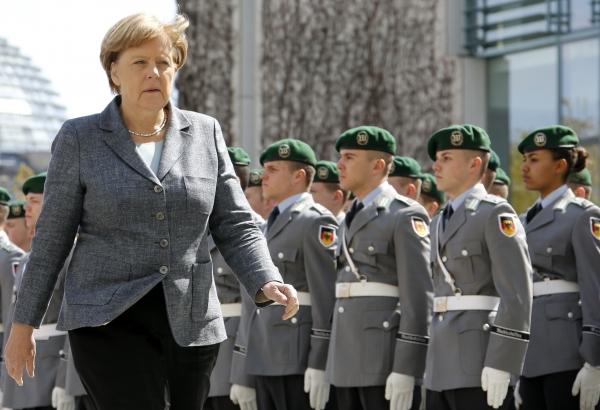 Меркель дружит с США против Европы