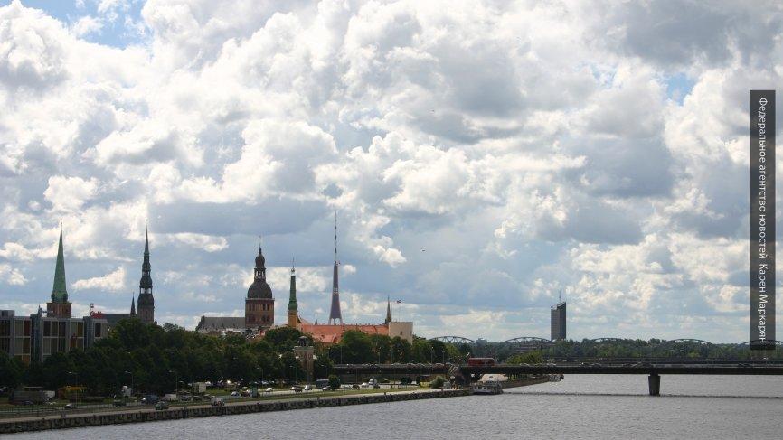 Евродепутат объяснил, почему Латвия стала мировым  лидером по оттоку населения