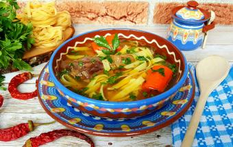 Суп из петуха с лапшой