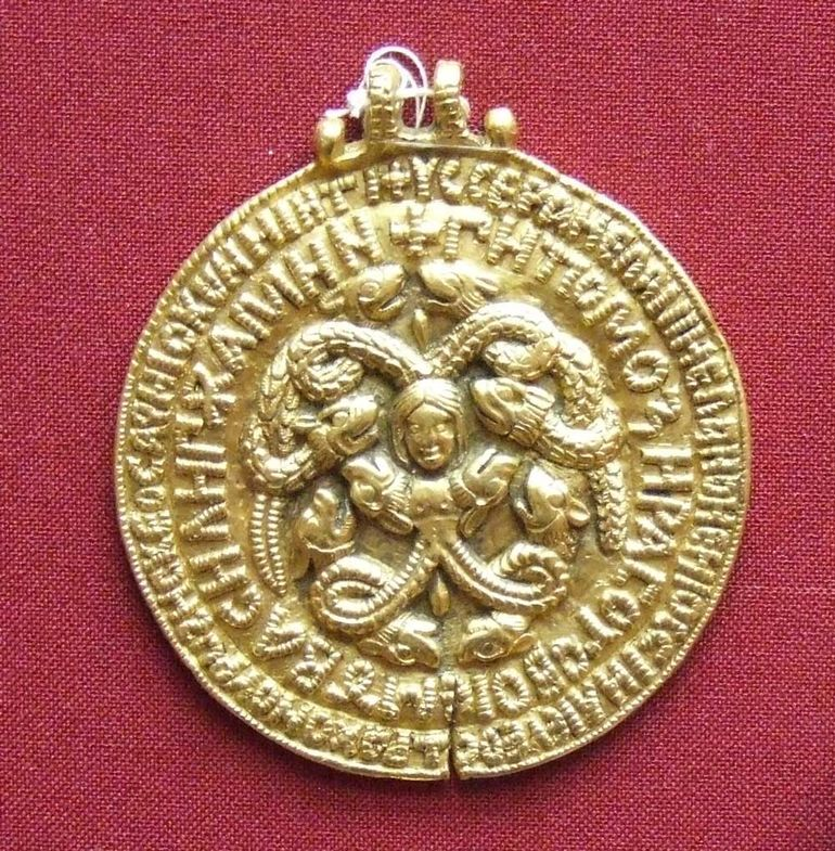 Почему русские князья-христиане поклонялись Медузе Горгоне? история России
