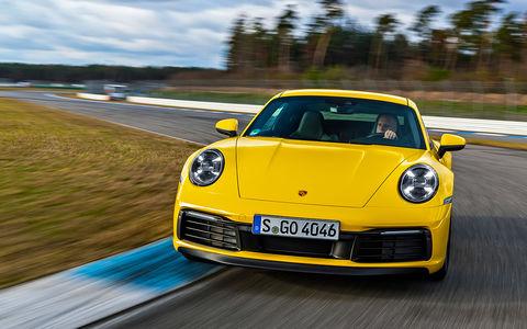 Новый Porsche 911: тест-драйв в «мокром» режиме
