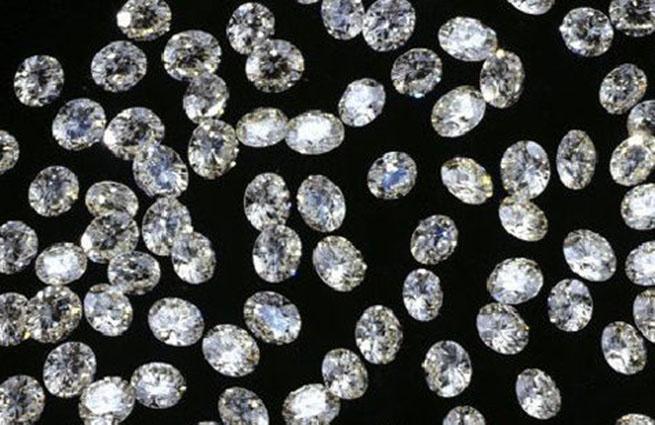 На ювелирной выставке украли мешок с бриллиантами на 100 млн рублей