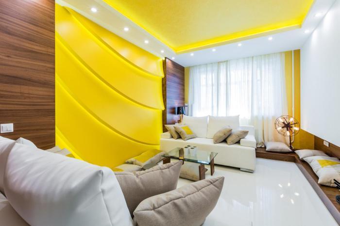 Когда жёлтый становится частью стен и потолка.