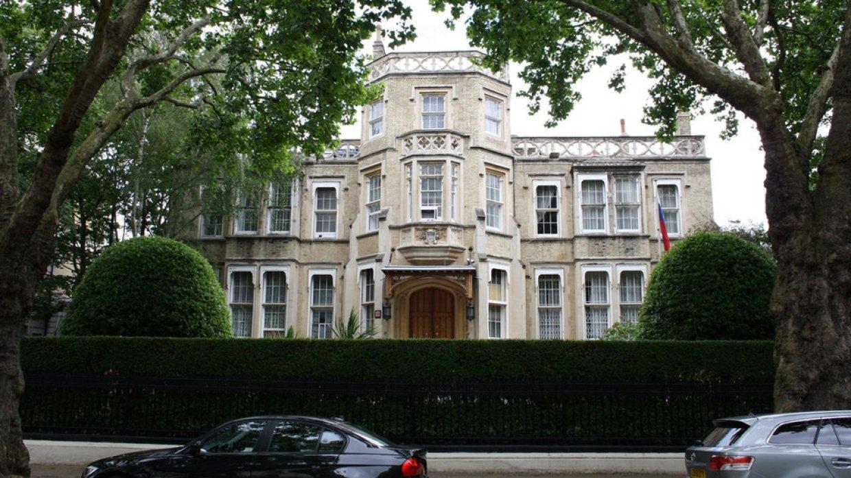 Посольство РФ призвало Британию исключить предвзятое отношение к россиянам