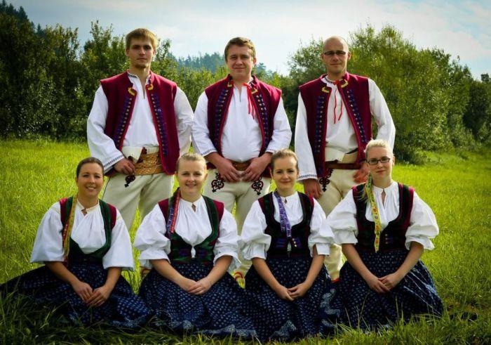 Неславянские народы, в которых больше всего «славянской крови»