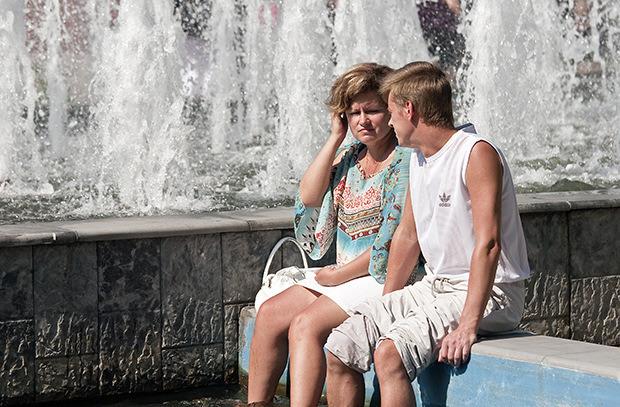 В жару - Больше воды, меньше сладкого...Говорят, в 2016 году лето в России будет жарким.