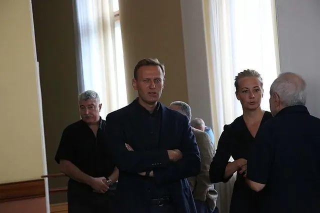 Об «Умном голосовании» — почему Навальный всё-таки дурак россия
