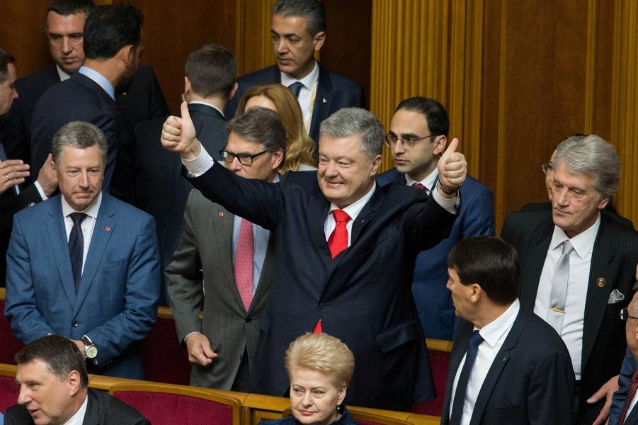 Порошенко против референдума о России. И Вакарчук. Не верят украинцам!