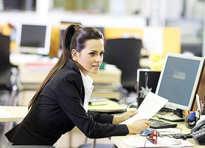 фото работницы офиса