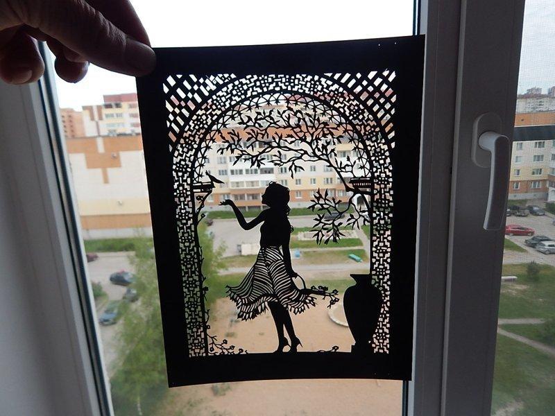 Дедушка из Пскова восхитил интернет своими невероятными картинами из бумаги