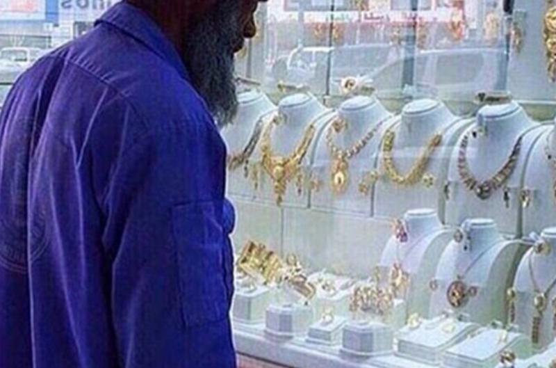 В Саудовской Аравии приговоренного к смертной казни можно выкупить. Семье дают 3 месяца на сбор средств. Суммы от 100.00 долларов, до 15 миллионов. Это весьма доходный бизнес среди судей и иных, причастных к казням Смертная казнь, споры, факты, цифры