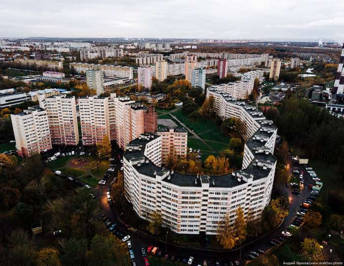Удивительный дом-змея в Санкт-Петербурге архитектура,ремонт и строительство