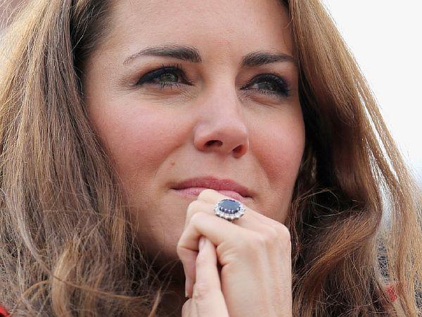 Обручальное кольцо Кейт Миддлтон с сапфиром в россыпи бриллиантов