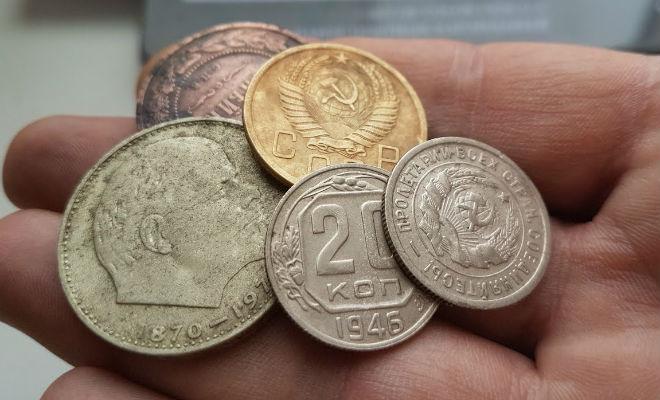 Добываем золото из монет СССР, а потом взвешиваем на весах результат