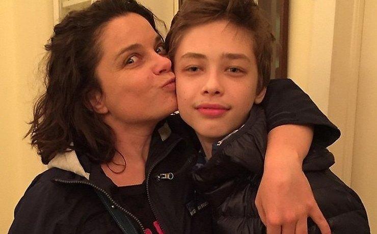 Из благих побуждений: Наташа Королева увезла 14-летнего сына Архипа в США
