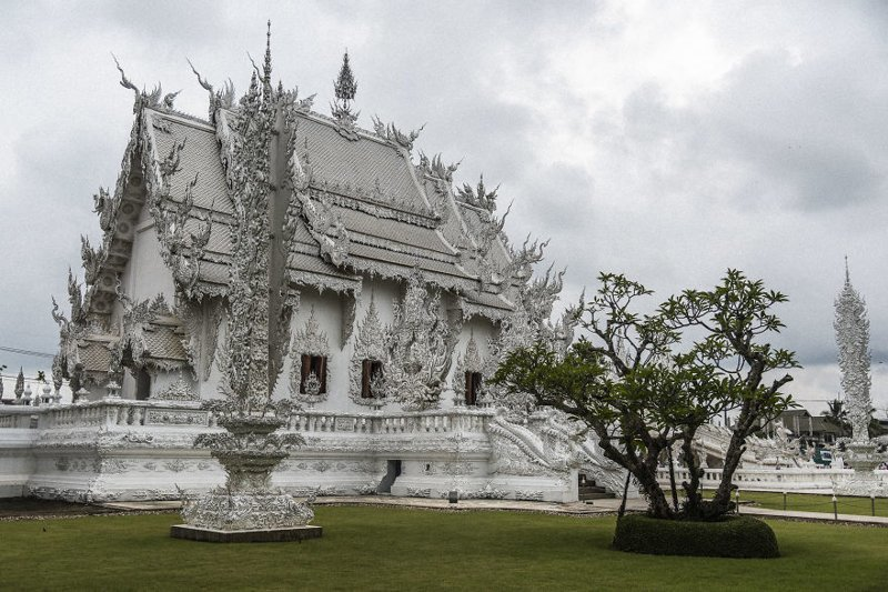 Строительство храма и его расширение стало делом жизни 63-летнего мужчины архитектура, буддизм, достопримечательность, путешествие, таиланд, фотомир, храм